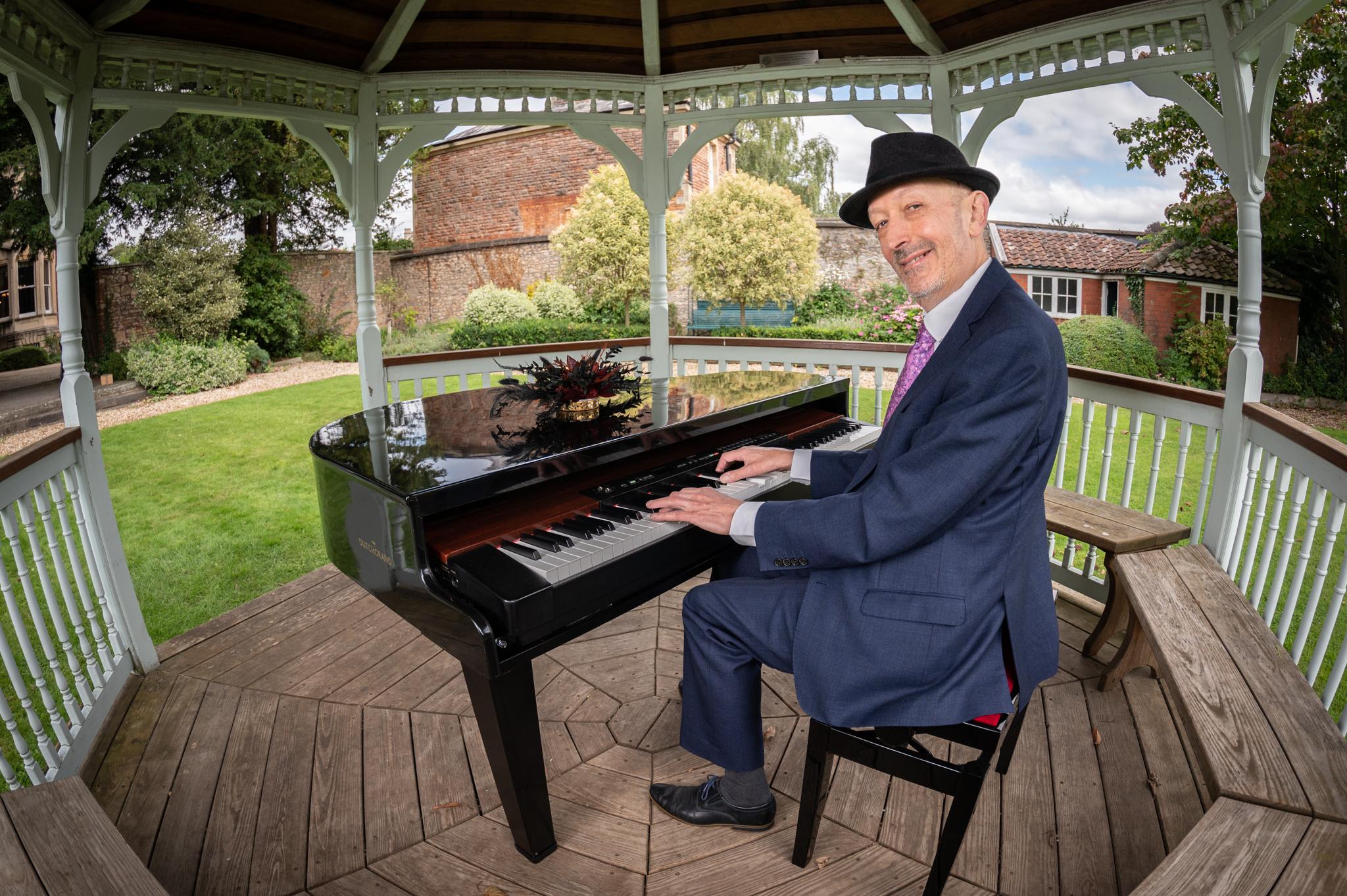 ian towers pianist