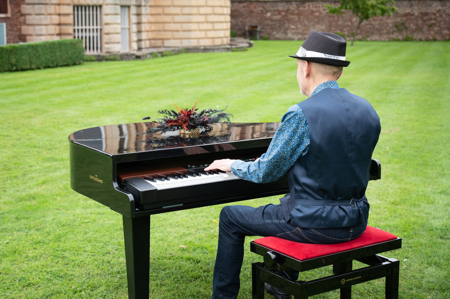 ian towers piano
